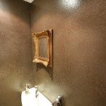 Frescolori badkamer muur